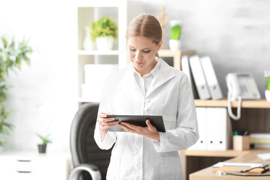 EMR Vs EHR: What's The Difference And Which Electronic Record Is Right For Me?